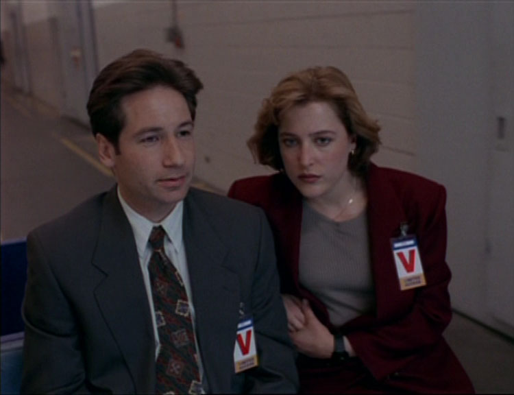 Space The X-Files season 1 img 2