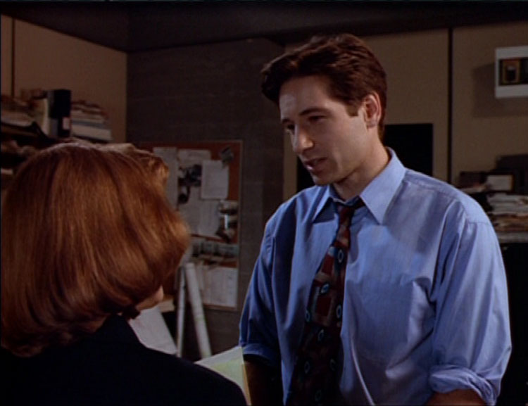Beyond the Sea X-Files season 1 img 2