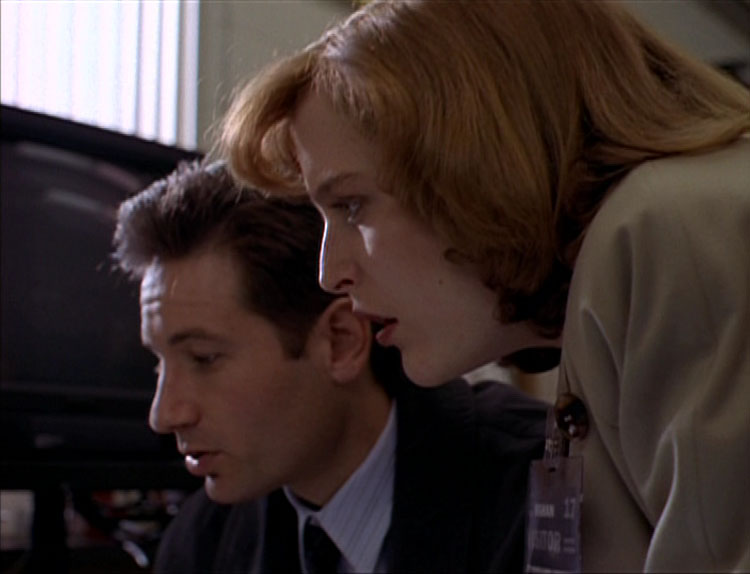 Roland X-Files s1 img 2