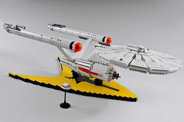 LEGO-Star-Trek-original-ship