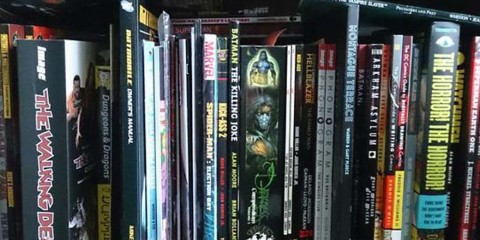 Comics book shelf header v1
